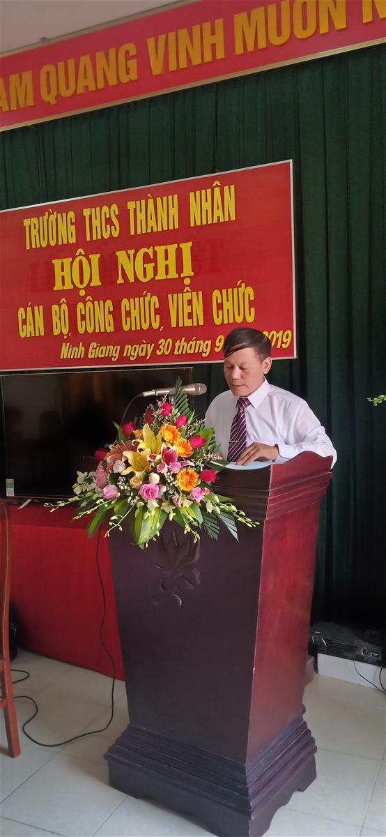 Thầy Bùi Quang Trường – Bí thư chi bộ, Hiệu trưởng nhà trường